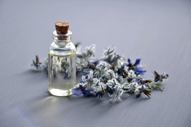 Zapach do kontaktu, świeca, czy olejek eteryczny?